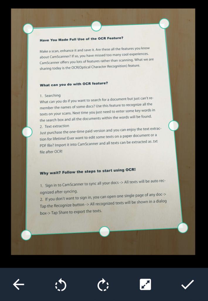 Schermata dell'applicazione che mostra il momento in cui è richiesto il controllo del perfetto allineamento dei bordi del nostro foglio.